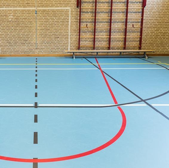 Heterogeneous floor coverings in rolls - sport hall