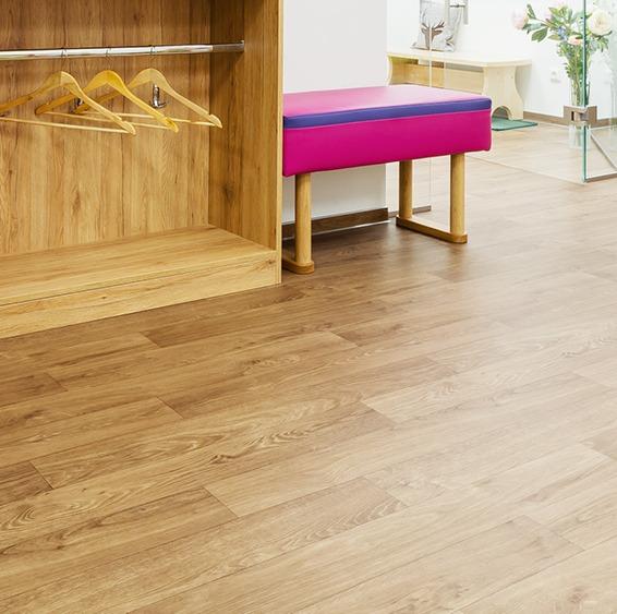 Heterogeneous floor coverings in rolls