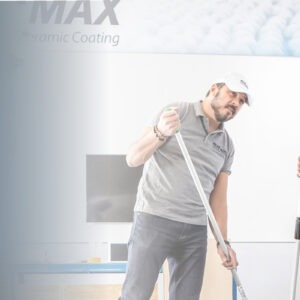 Train the Trainer WEARMAX Schulung - Zwei Leute applizieren WEARMAX Coating