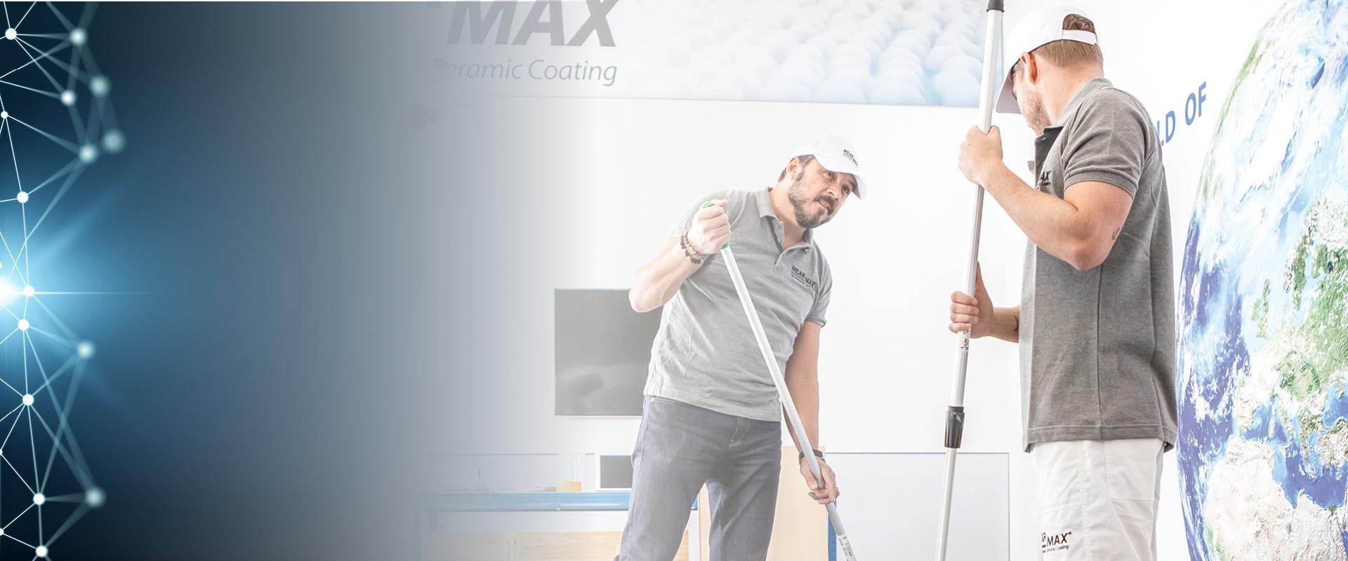 Train the Trainer WEARMAX Schulung - Zwei Leute applizieren WEARMAX Coating